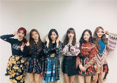 11 outfit 'khó hiểu' của các nhóm nhạc Kpop gần đây, BlackPink và BTS bất ngờ đứng top đầu 2