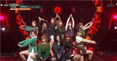 11 outfit 'khó hiểu' của các nhóm nhạc Kpop gần đây, BlackPink và BTS bất ngờ đứng top đầu 8
