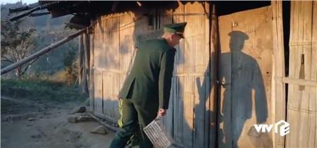 'Mùa xuân ở lại' tập 3: Anh bộ đội biên phòng Huỳnh Anh xị mặt ghen tuông khi biết cô giáo Hòa đã có người yêu 7