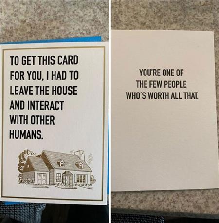 Bố tôi tìm được một chiếc thiệp xinh xắn để tặng cho anh họ của tôi nhân dịp sinh nhật.