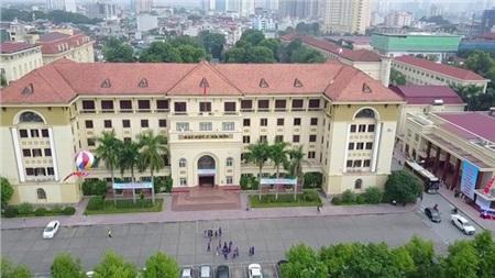 Sinh viên Đại học Y Hà Nội chuyển sang học trực tuyến 0