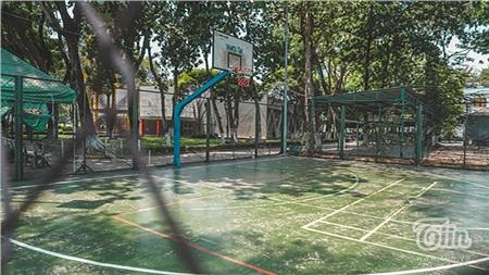 Các hoạt động tại các khu tập trung đông người trongcông viên như: khu trò chơi thiếu nhi, thể dụcthể thao, sân sinh hoạt cộng đồng, các hoạt động thể chất, khiêu vũ,... cũng tạm ngưng.