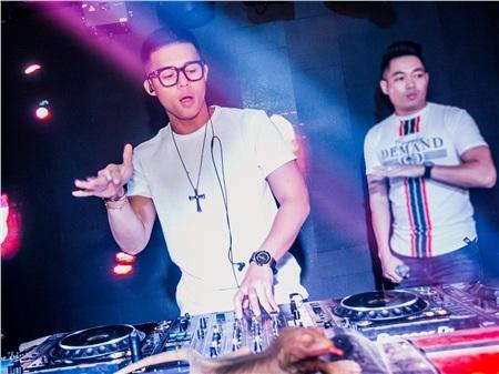 'Idol giới trẻ' – DJ Tilo: Bỏ ngang Đại học theo đuổi giấc mơ trên 'bàn đĩa' 0