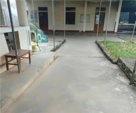 Trường lớp sạch tinh tươm do được những người cách ly dọn dẹp.