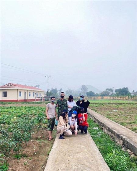 Hình ảnh đẹp kháccủa quân và dân trong khu cách ly tại Hà Tĩnh.