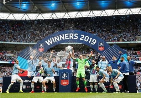 Man City chờ bảo vệ chiếc cúp thứ nhì của mùa giải