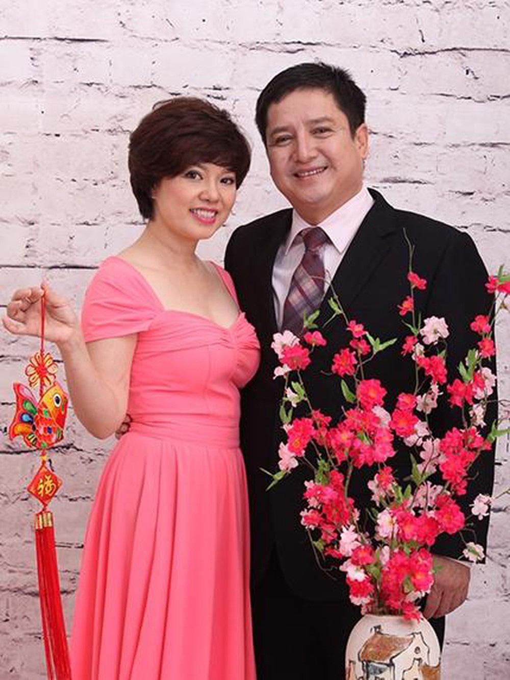 Chí Trung - Ngọc Huyền từng là đôi vợ chồng đẹp của làng giải trí trước khi ly hôn sau hơn 30 năm bên nhau.