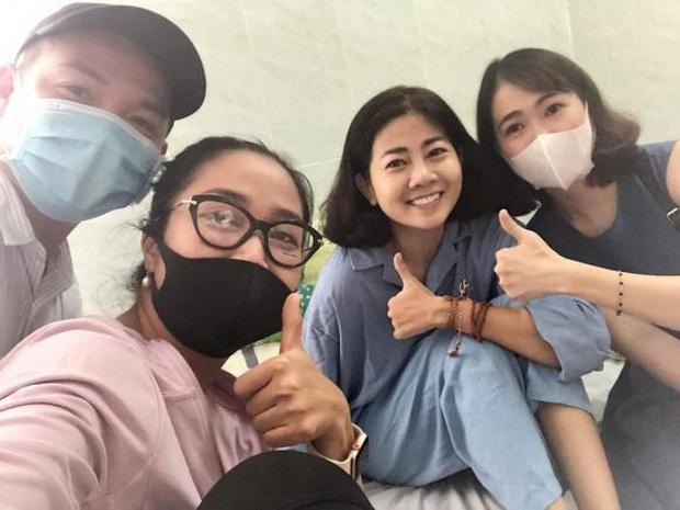 Không chỉgia đình, bạn bè và đồng nghiệp của Mai Phương cũngluôn bên cạnh cô trong quãng thời gian khó khăn.