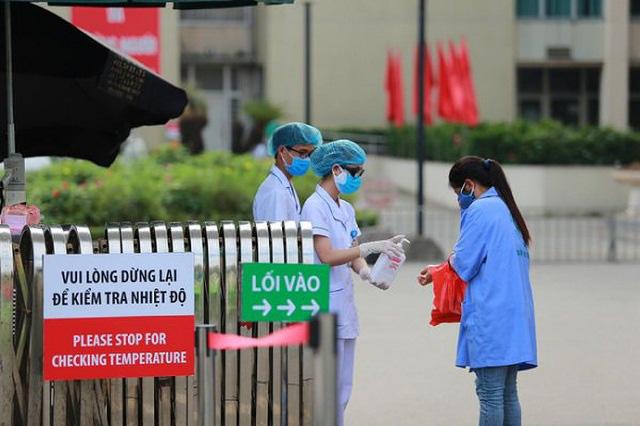 Bộ Y tế yêu cầu tất cả mọi người ra vào cơ sở khám bệnh, chữa bệnh phải đeo khẩu trang