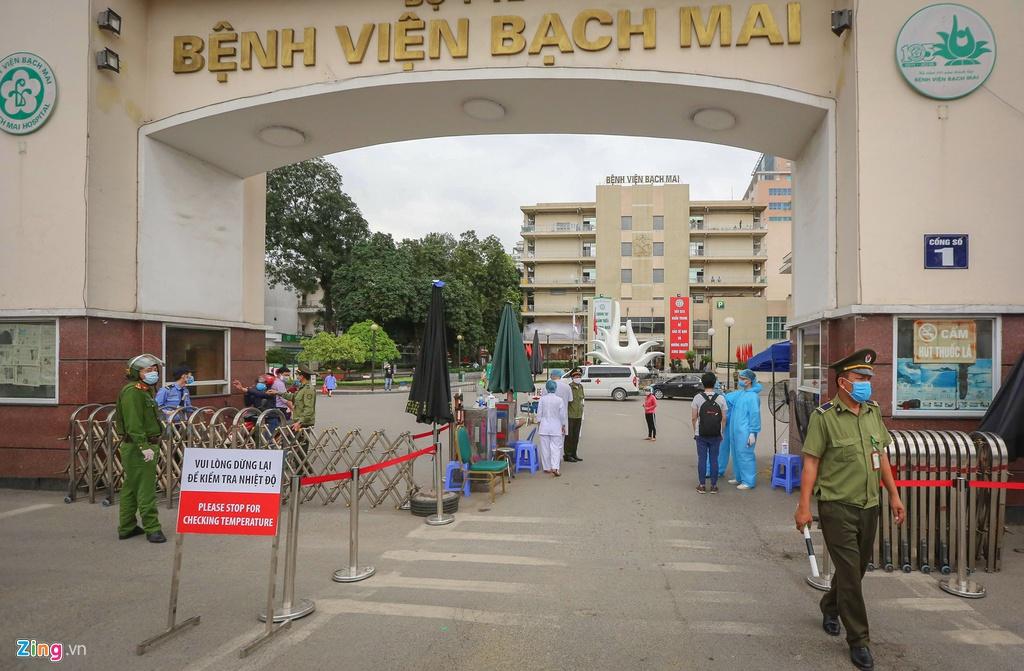 Giám đốcBệnh viện Bạch Mai chính thức tiết lộ lý do nơi này trở thành ổ dịch sau khi ban bố tình trạng 'nội bất xuất, ngoại bất nhập' 0