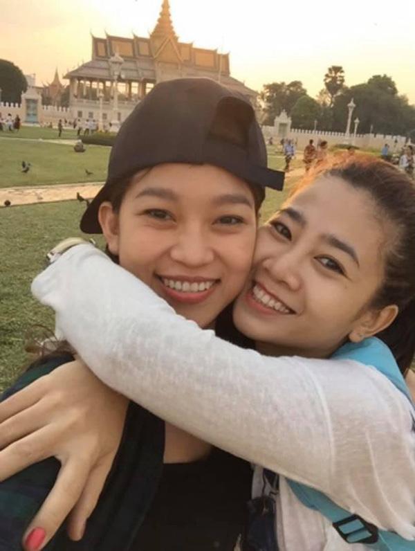 Bảo Như và Mai Phương vốn là hai người bạn thân luôn song hành cùng nhau trong đời sống và công việc.