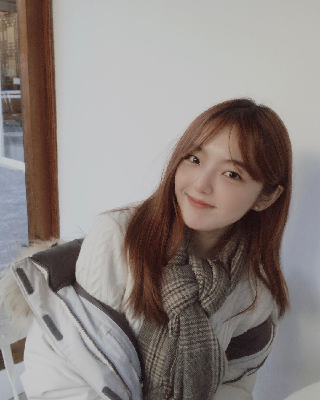 'Shin Ae hiền lành' của 'Gia đình là số 1' bị mắng 'ngu dốt' vì đi cafe học hành giữa mùa Covid-19 0