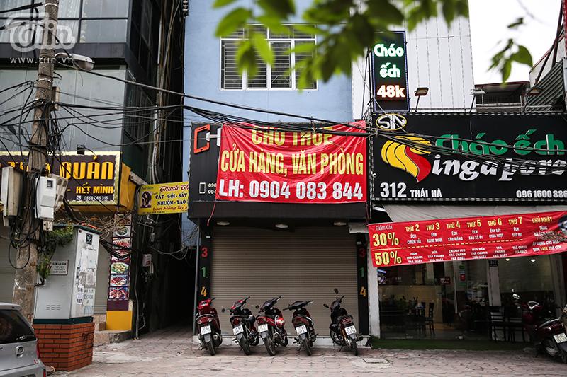 Nhiều cửa hàng đã chung tay đóng cửa dừng hoạt động để chống Covid-19