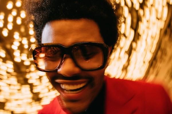 The Weeknd đang thống lĩnh nhiều bảng xếp hạng của Billboard, trong đó có đĩa đơn và album cùng lúc No.1