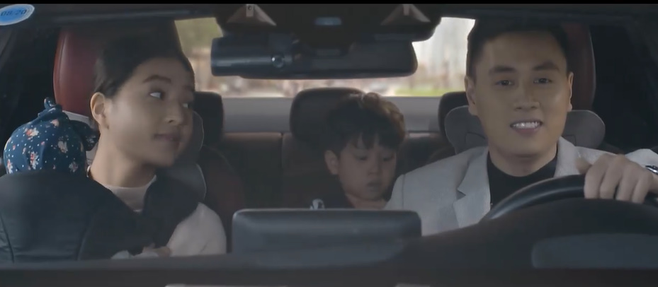 'Nhà trọ Balanha': Xuân Nghị dùng chân lái xe và gặp va chạm giao thông 7