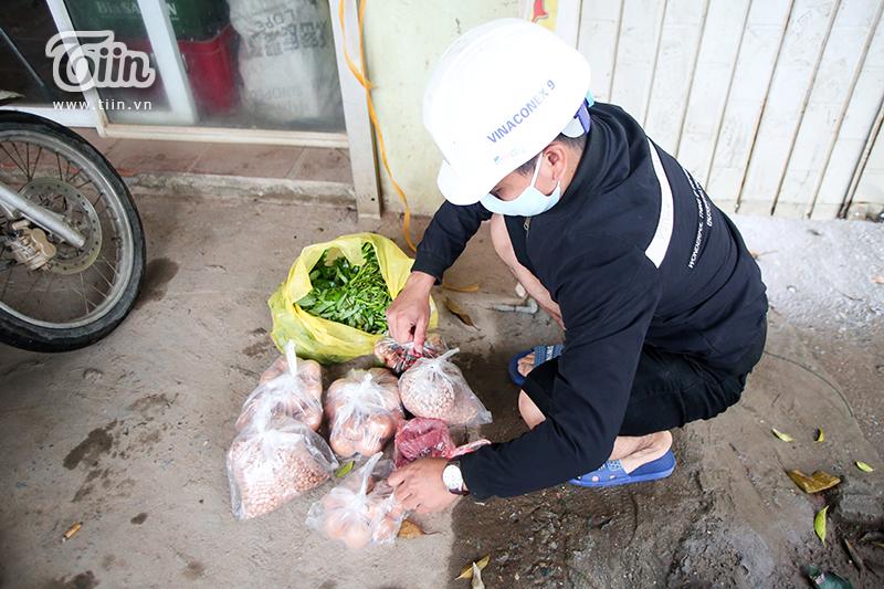 Ngày cách ly thứ 2, thôn hơn 1.400 dân tại Hưng Yên 'nội bất xuất, ngoại bất nhập', mọi hoạt động diễn ra nghiêm ngặt 7
