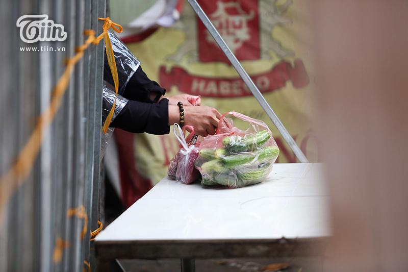 Ngày cách ly thứ 2, thôn hơn 1.400 dân tại Hưng Yên 'nội bất xuất, ngoại bất nhập', mọi hoạt động diễn ra nghiêm ngặt 6