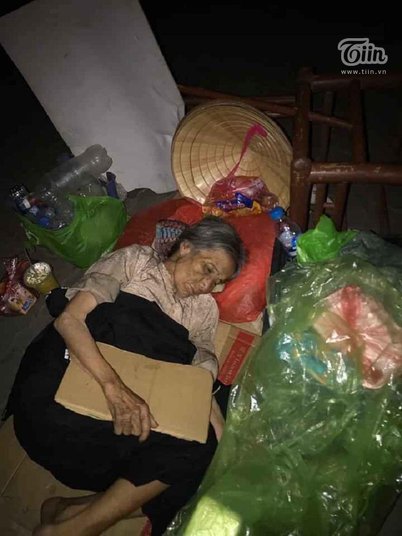 8X Việt tự xưng là 'kẻ tâm thần', tích góp tiền trong 17 năm để xây nhà cho người lang thang 3