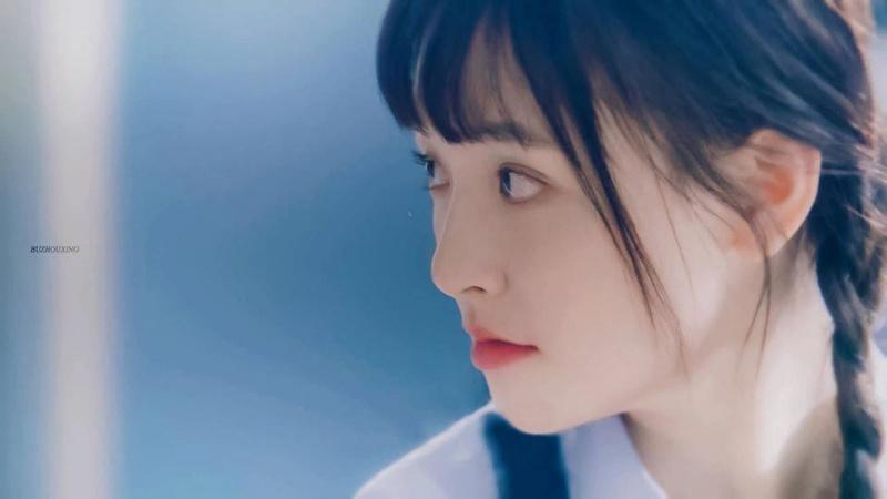 Khi đóng Đường Tuyết thời trung học, Ngô Thiến cũng thay đổi bản thân với hình ảnh tóc tết hai bên, mái ngố vô cùng đáng yêu.