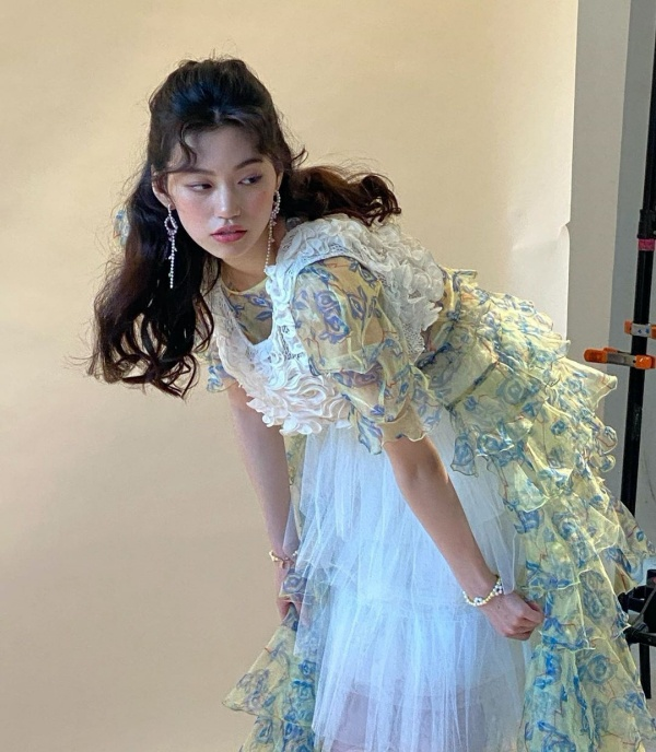 Sao Hàn mặc đẹp tuần qua: Park Min Young lấy lại phong độ, Yeri hóa già chát vì trang phục dừ tuổi 30