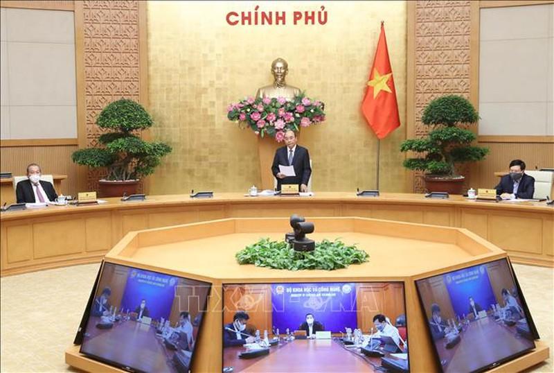 Thủ tướng chủ trì họp trực tuyến với các địa phương