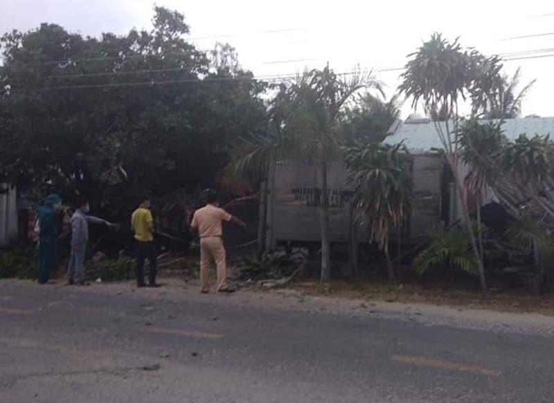 Xe tải tông vào ba người đang đi bộ tập thể dục. Ảnh:TN