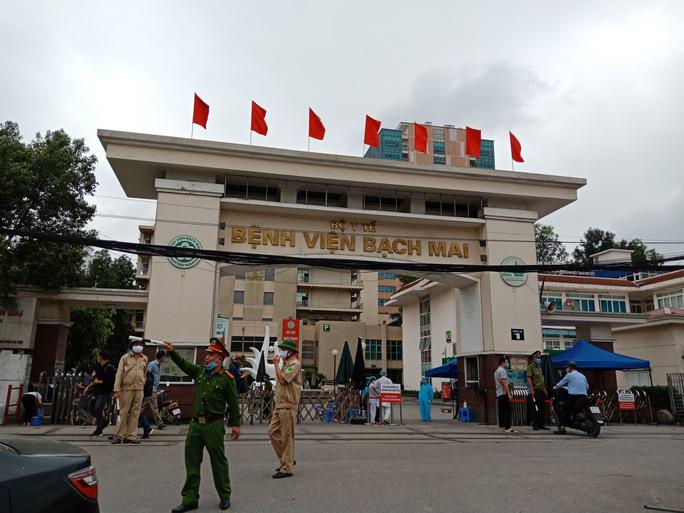 Bệnh viện Bạch Mai hiện là ổ dịch lớn nhất cả nước