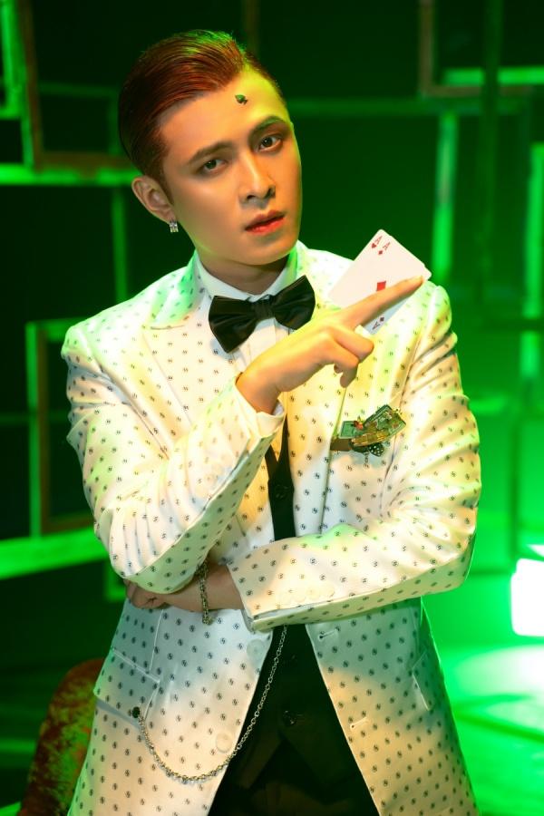 Tạm quên phong cách lãng tử, Gin Tuấn Kiệt khiến fan ngỡ ngàng với hình ảnh Joker 4