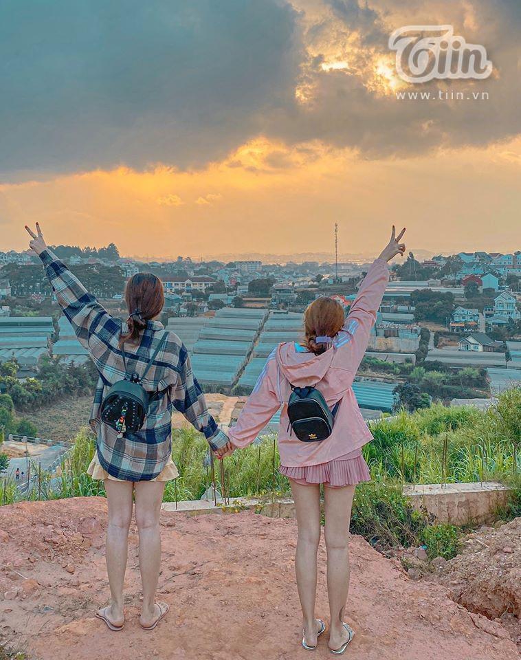 Tình bạn 17 năm của 2 cô gái 9X: Thanh xuân là nhất định phải cùng đứa bạn thân du lịch Đà Lạt một lần trong đời 2