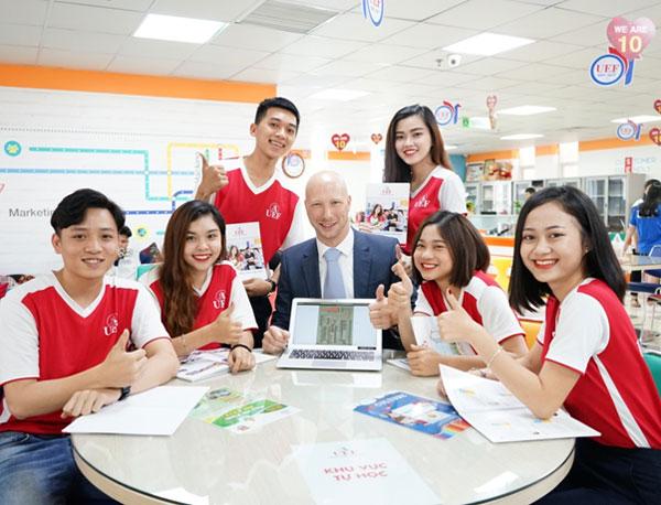 Với môi trường song ngữ, sinh viên được chú trọng phát triển tiếng Anh