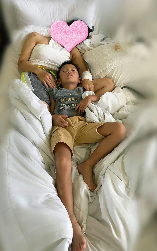 Hồng Ngọc lần đầu lộ diện sau tai nạn bỏng nồi hơi, thèm ôm con mà không được vì đau đớn 0