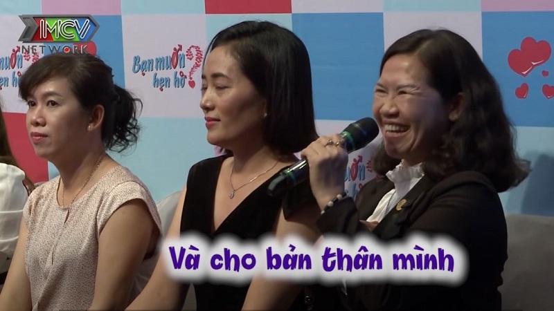 Mẹ nuôi của Linh cho biết đãđăng ký chương trình cho 4 người, trong đó có cả mình
