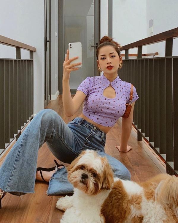 Hội chị em 'vũ trụ hotgirl Hà Thành' của Chi Pu liên tục 'lăng xê' kiểu váy cổ điển, báo hiệu cho một xu hướng mới? 2