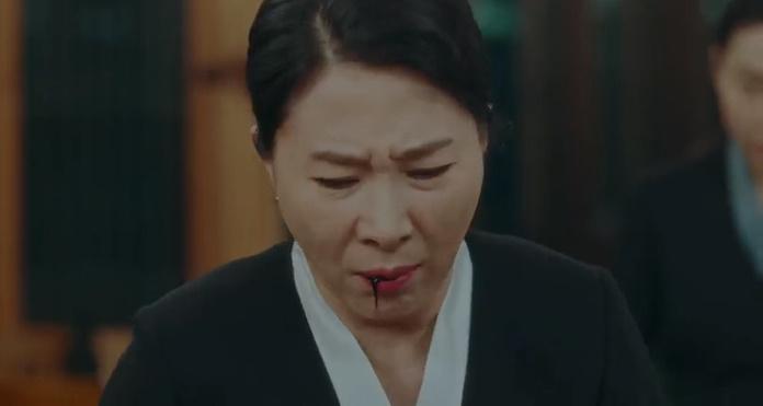 'Quân vương bất diệt' preview tập 12: Eun Seop gặp được 'người yêu', Jo Yeong bị bắn trọng thương 4