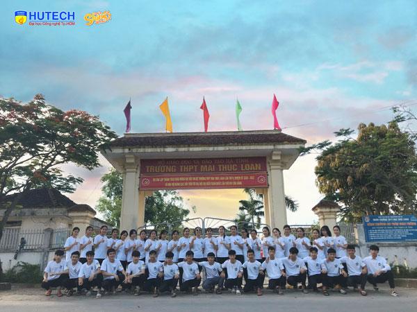 Lớp 11A5 trường THPT Mai Thúc Loan (Hà Tĩnh)