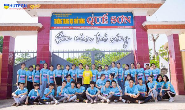 Lớp 12/2 trường THPT Quế Sơn (Quảng Nam) - 'Bên nhau để tỏa sáng'