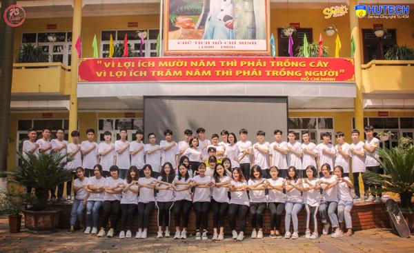 Bộ ảnh kỷ yếu của lớp 12A3 THPT Vĩnh Yên (Vĩnh Phúc) mang thông điệp về sự gắn kết