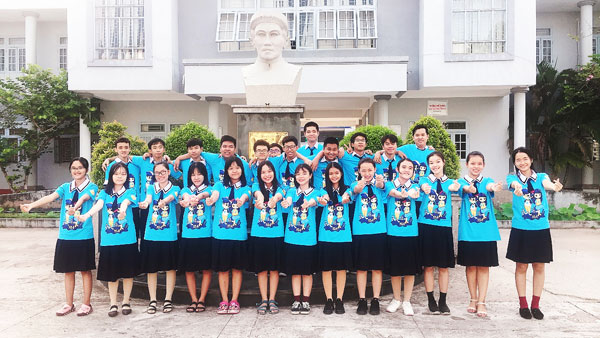 Lớp 10A trường THPT Nguyễn Quang Diêu (Đồng Tháp)