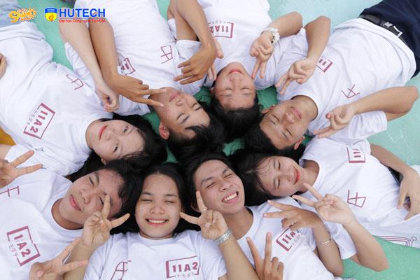 Lớp 11A2 trường THPT Sóc Sơn (Kiên Giang)