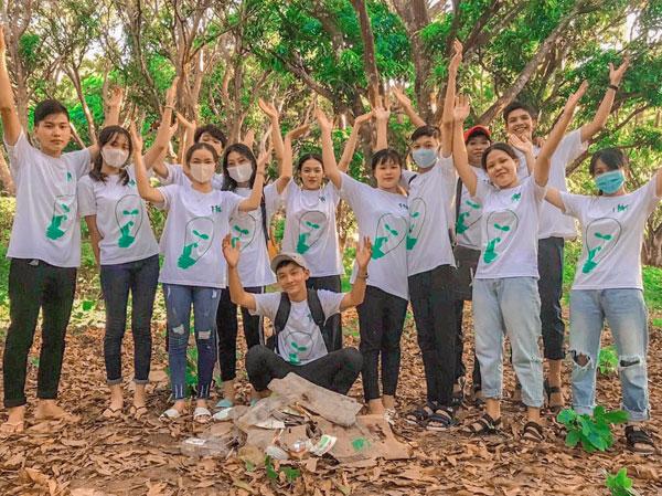 Lớp 11A4 trường THPT Chi Lăng (An Giang)