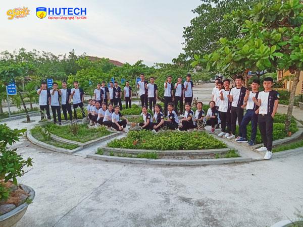 Lớp 12A6 trường THPT Nguyễn Hồng Đạo (Bình Định)