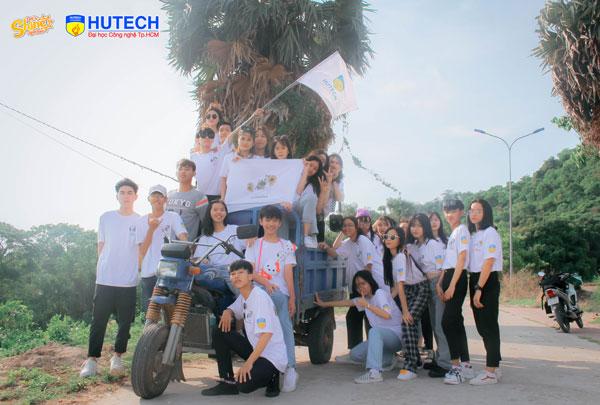 Lớp 12A8 trường THPT Nguyễn Văn Thoại (An Giang)