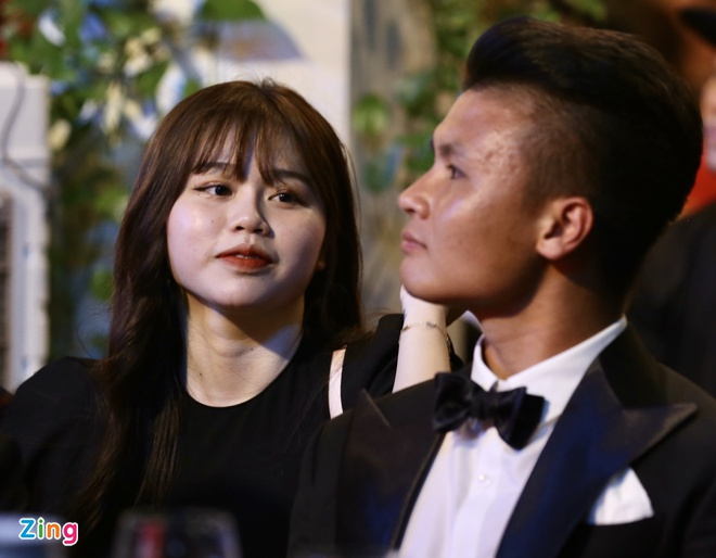 Bạn gái Quang Hải vừa tiết lộ mối quan hệ thân thiết với một nữ ca sĩ: Chủ nhân bản hit mới nhất! 0