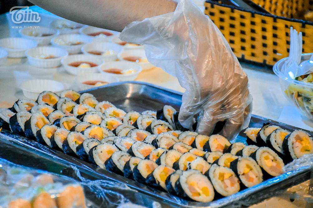 Đừng 'gà mờ' khi ghé chợ đêm Đà Nẵng: Nhiều món ăn vặt nhưng giá đắt hơn cả 'món chính' 12
