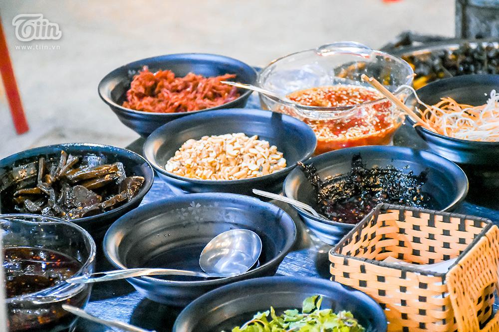Đừng 'gà mờ' khi ghé chợ đêm Đà Nẵng: Nhiều món ăn vặt nhưng giá đắt hơn cả 'món chính' 19
