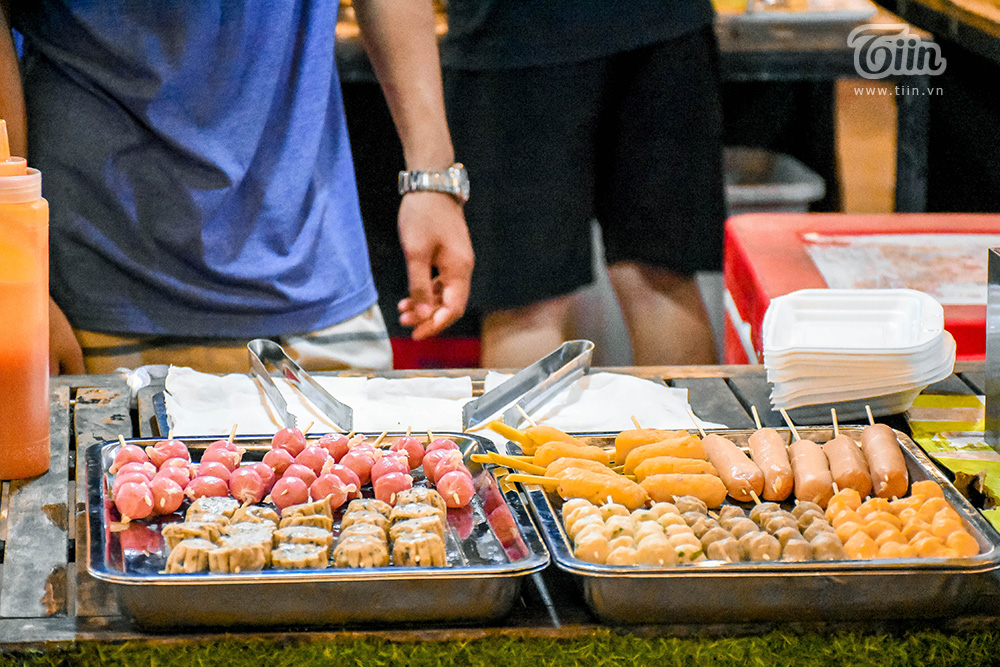 Đừng 'gà mờ' khi ghé chợ đêm Đà Nẵng: Nhiều món ăn vặt nhưng giá đắt hơn cả 'món chính' 20