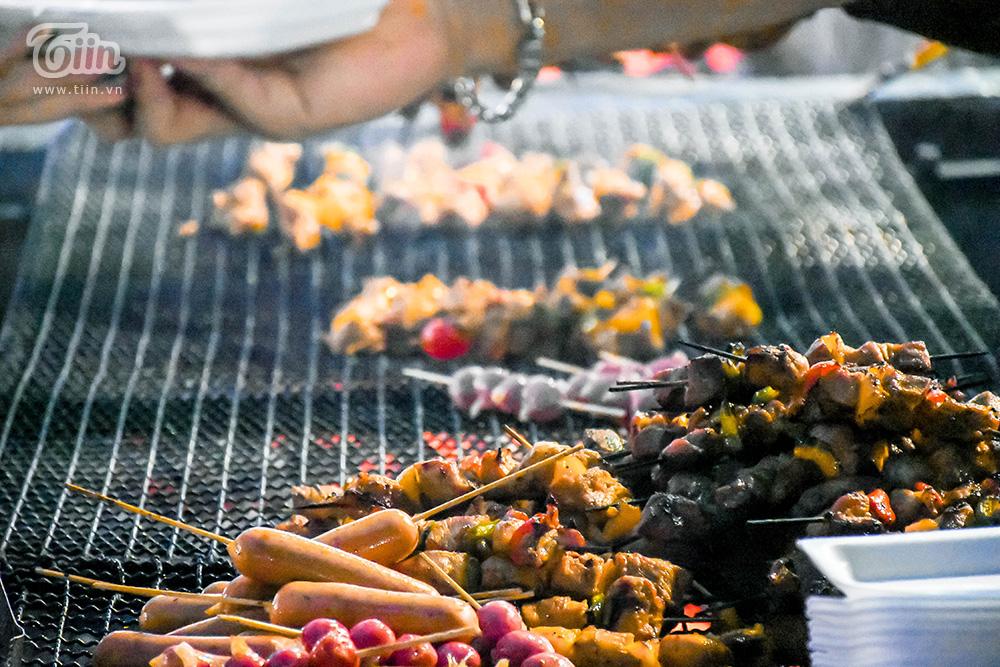 Đừng 'gà mờ' khi ghé chợ đêm Đà Nẵng: Nhiều món ăn vặt nhưng giá đắt hơn cả 'món chính' 22