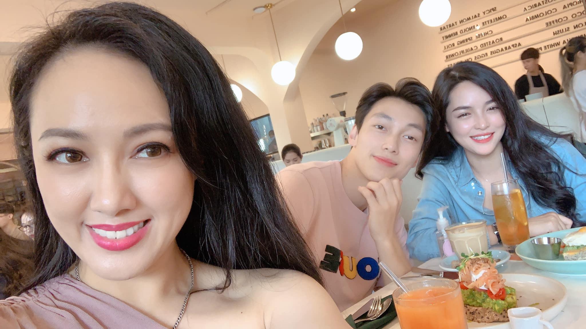 Nữ chính Người ấy là ai 'đọ sắc' cùng BTV Thời sự nổi tiếng của VTV: Alan Phạm bất ngờ phải làm 'nam phụ' 2