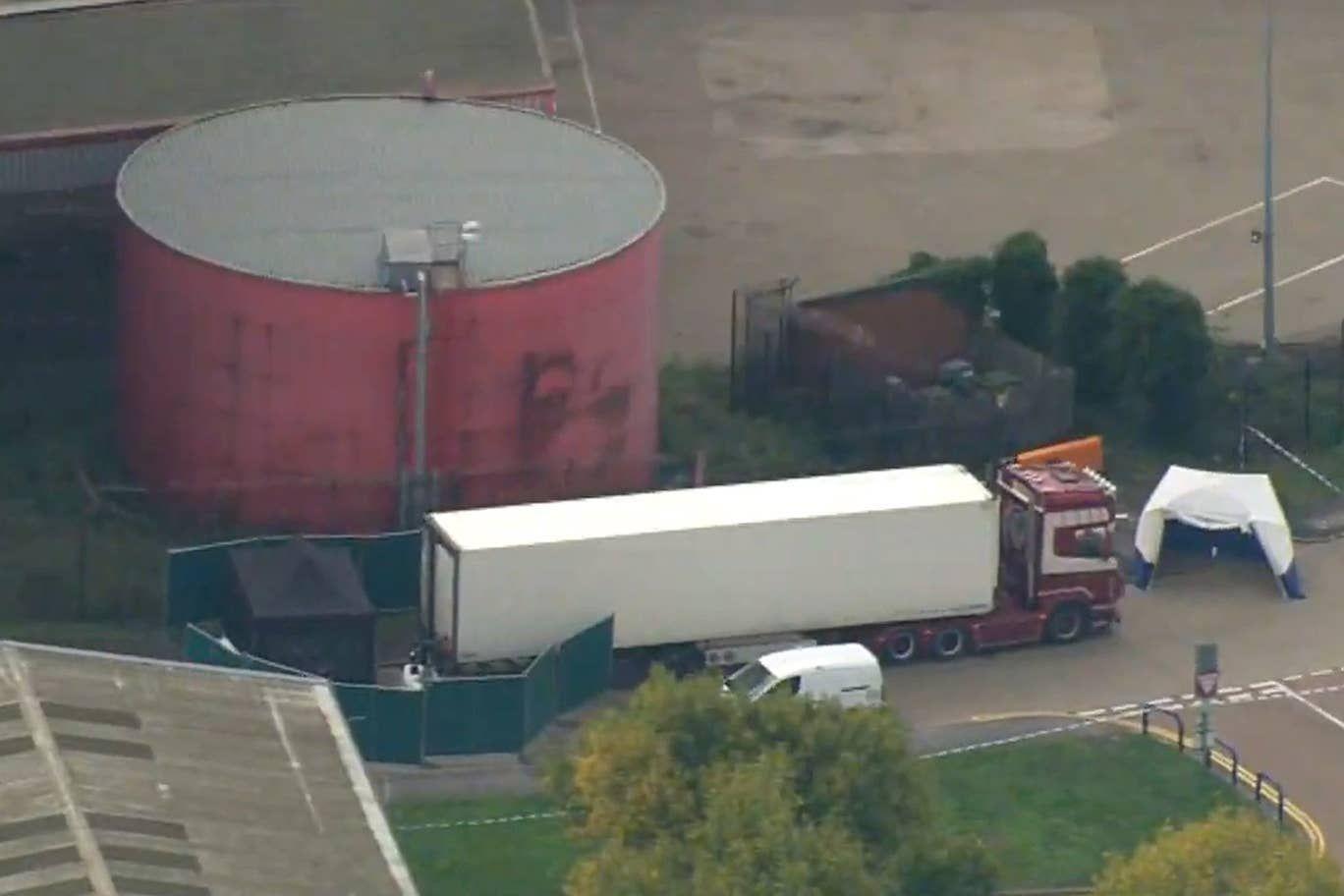 Vụ 39 thi thể được phát hiện trong chiếc container tại Essex gây rúng động toàn thế giới. (Nguồn: The Sun)