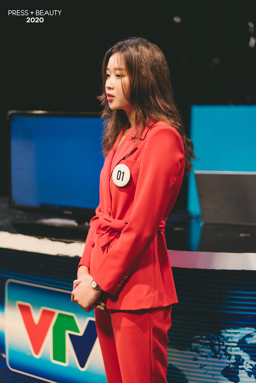 Nguyễn Linh Thu - SBD: 01 đã khiến nhiều bạn trẻ thức tỉnh qua bài phóng sự về một nhân vật từng trải qua những ngày tháng ăn chơi, sa đọa.